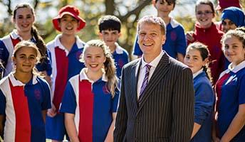 photo of Chris Jones with students